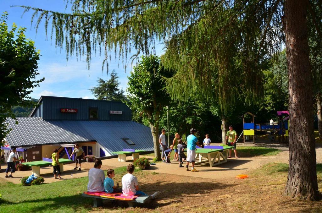 Bénéficiez des équipements et services libre accès au camping lac Chambon L'Europe Murol !