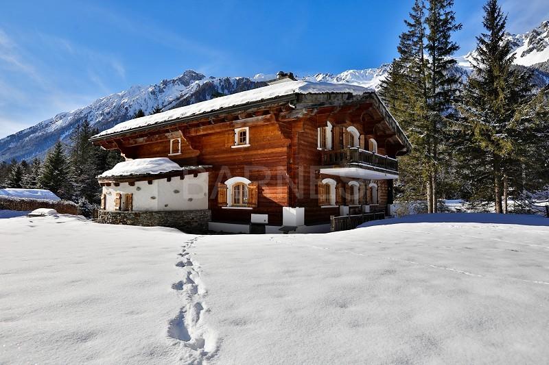 BARNES Mont-Blanc : louez votre chalet de luxe pendant la saison de ski à Combloux !