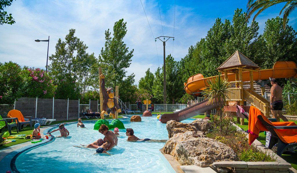 Camping en bord de rivière : Et si vous alliez au camping le Lac à Sisteron ?