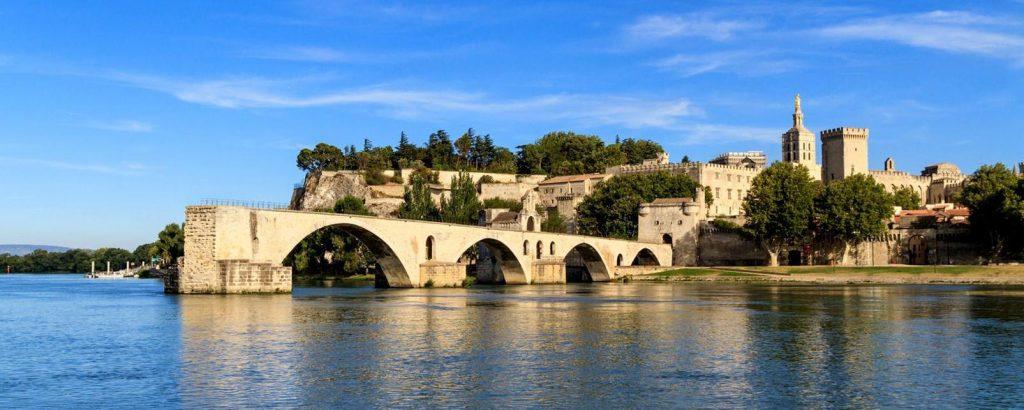 Et si vous choisissez un camping à Avignon pour vos prochaines vacances ?