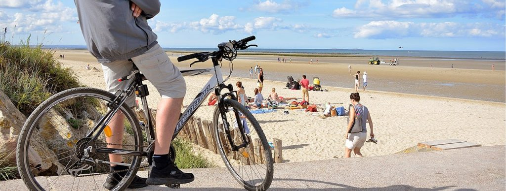 Paris a la Tour Eiffel, la Normandie a Utah Beach
