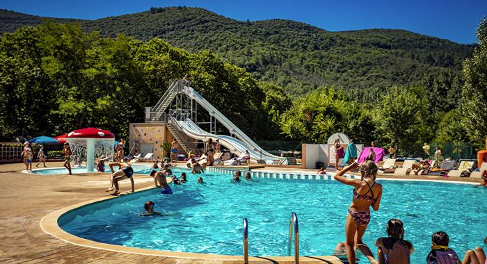 Découvrez les Plans, un camping luxueux en bord de rivière en Ardèche