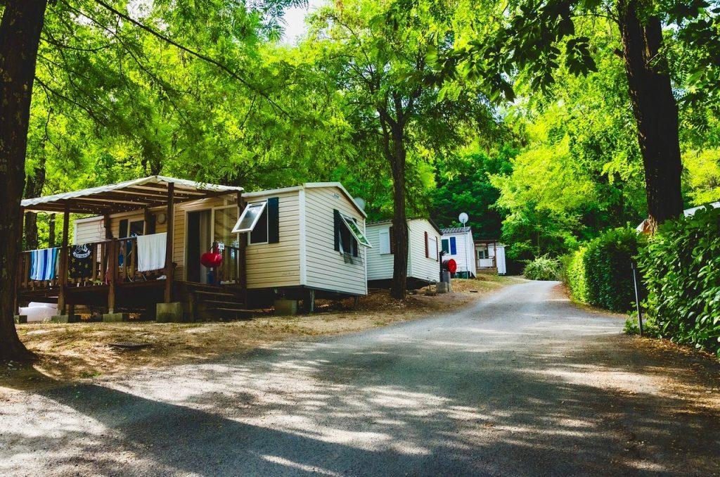 Camping avec piscine : lequel choisir en Ardèche ?